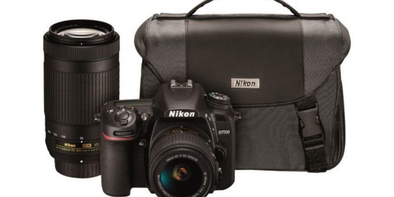 """عام """"تخيل ، اكتشف"""": اربح كاميرات نيكون المنعكسة مجانًا"""