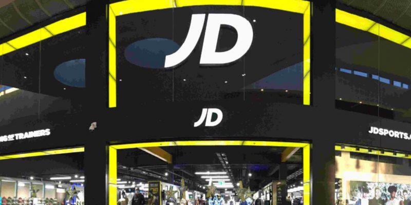 Adidas со скидкой до 60% на весенние предложения на JD