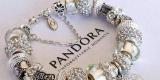 Saldi Pandora: charm e gioielli a partire da 15€ solo per pochi giorni